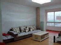 出租 盛世锦园学区房4楼三室两厅108平方精装修1300/月 拎包入住采光充足